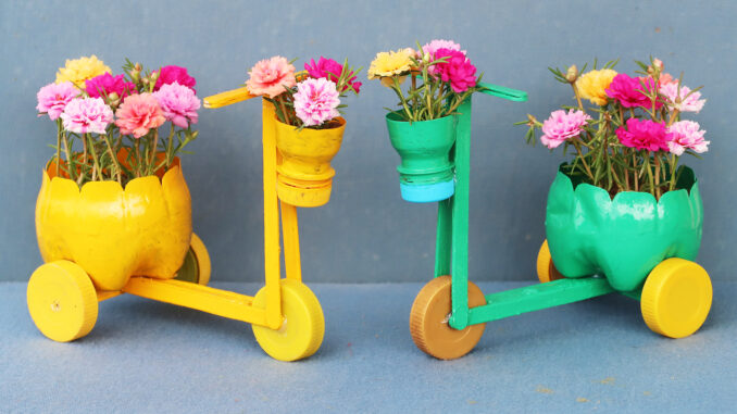 Flower Pot Ideas - Beautiful Bicycle Flower Pots From Recycled Plastic Bottles For Small Gardens