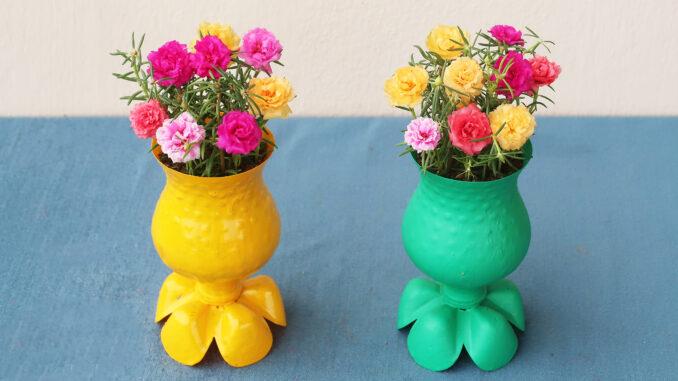 Gorgeous Desktop Flower Pot Ideas From Recycled Plastic Bottles (2)