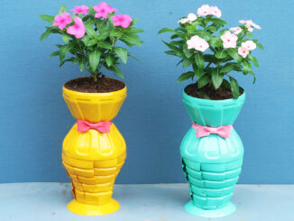 How to make beautiful flower pots from recycled plastic bottles